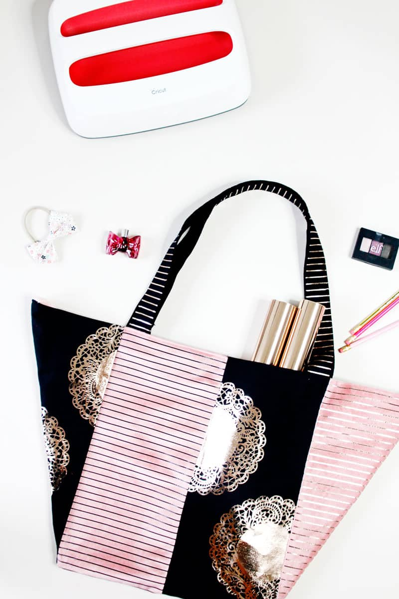Tote Bag Pattern with the Cricut EasyPress | Free Pattern | Free Tote Bag Pattern | DIY Tote Bag | Cricut Easy Press | Cricut Easy Press Project | Things to Make with Your Cricut Easy Press || See Kate Sew #freepattern #diytotebag #totebagpattern #cricut #cricuteasypress #seekatesew