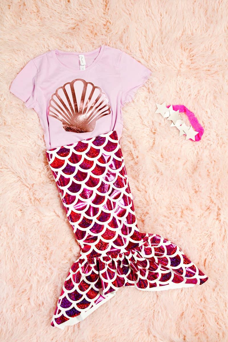 DIY MERMAID COSTUME | DIY Halloween Costume | DIY Mermaid Tail | Things to Make with a Cricut | Things to Make with a Cricut Easy Press 2 | How to Make Fabric with a Cricut | How to Make a Mermaid Costume || See Kate Sew #diymermaidcostume #diyhalloweencostume #diycostume #mermaidtail #cricut #cricuteasypress #seekatesew