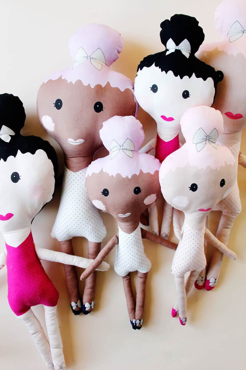 Cut-and-Sew Dolls are so easy using Riley Blake's new top knot doll panels. So quick and fun, you will want to make them over and over! || See Kate Sew #rileyblake #dollpanels #seekatesew