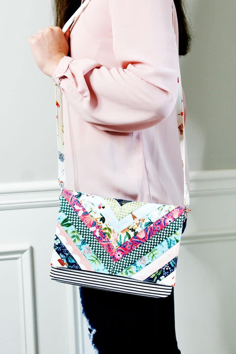 Quilt Pattern Crossbody Bag