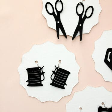 How to make Leather Earrings with Cricut Maker