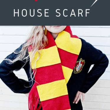 NO SEW HOUSE SCARF | Gryffindor Scarf Tutorial