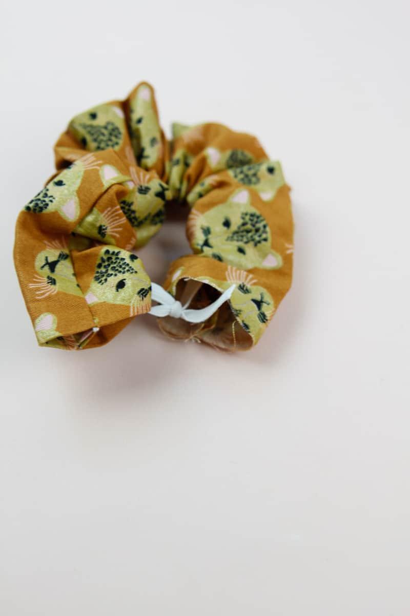 DIY How to Make a Scrunchie